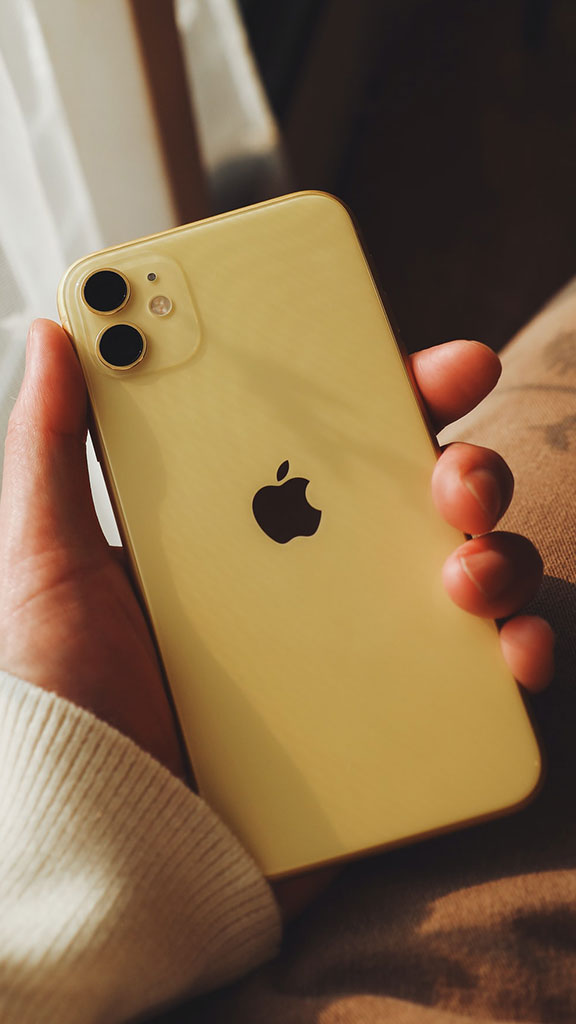 iPhone 11 warna kuning